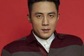杜淳是大帅哥,而他的发型也是很出众,成熟男士的首选