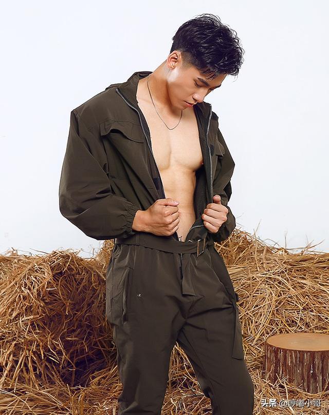 有气质的男生穿搭,个性、帅气、有品味,原来连体衣可以这么穿